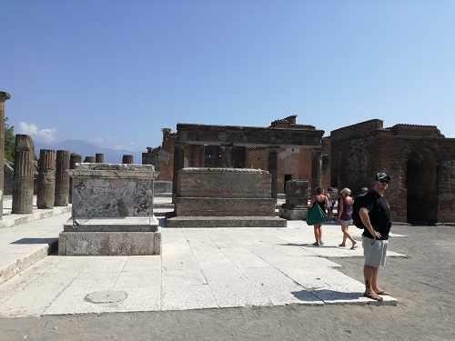 pompei1.jpg (16 KB)